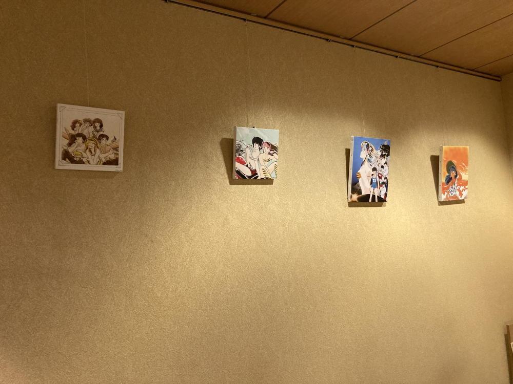 三宅漢方医院待合室の絵